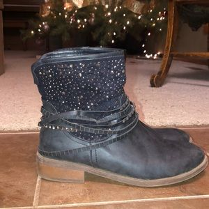 Roper black ankle boot with bling